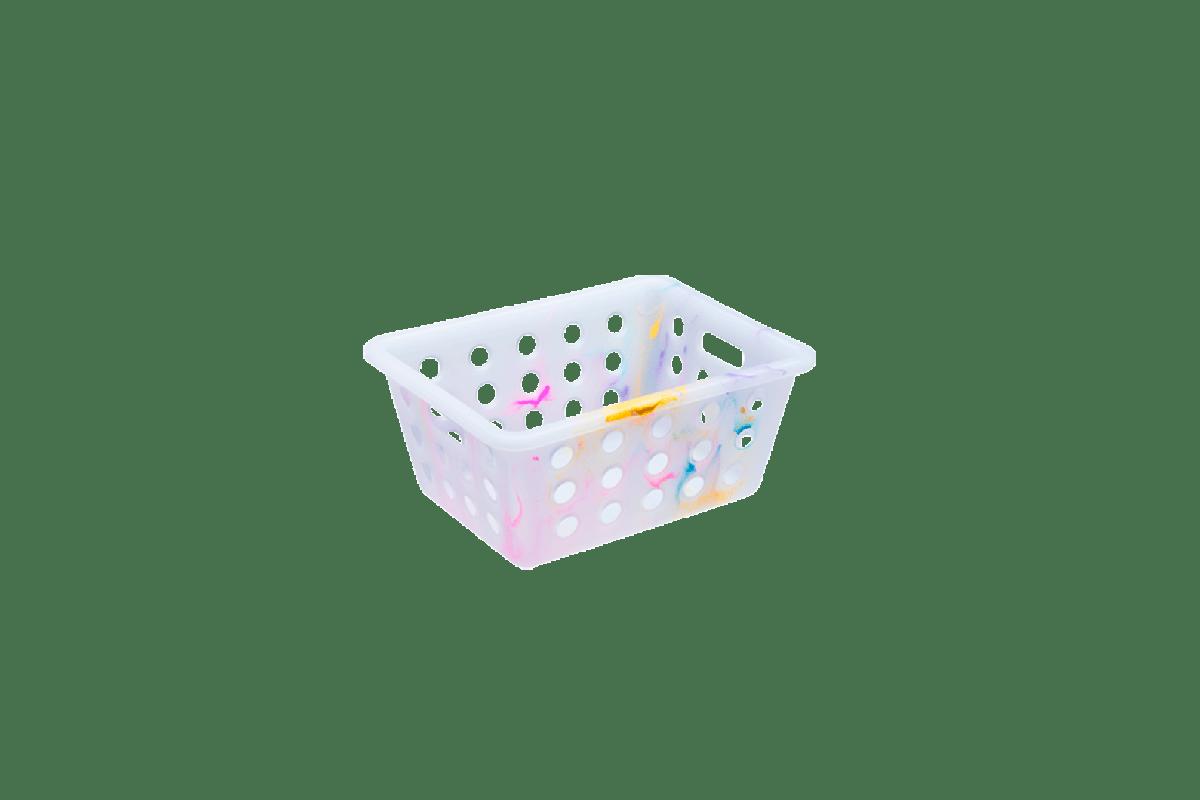 Para ajudar na tarefa de manter a casa organizada, com cada coisa em seu lugar, a linha para organização da Coza conta com a versátil e prática Cesta Pequena Cores . Além de colorir ainda mais todos os ambientes, as cestas são produzidas em material flexível e cada produto é único: o processo de injeção garante a diferente coloração para cada peça. Pode ser usada na casa toda: ideal para organizar a lavanderia, colorir o banheiro, dar mais vida ao escritório e combinar com qualquer quarto. Uma explosão de cores e versatilidade!