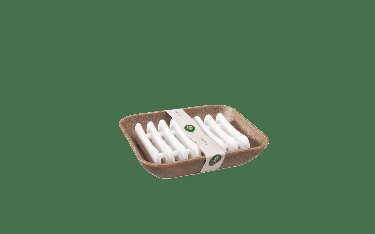 Fácil de limpar com design diferenciado e criatividade nos mínimos detalhes. Combina com qualquer sabonete e a decoração do seu banheiro. A base é produzida com a adição de lignina - substância orgânica obtida no processo de separação da celulose mais fibras naturais: linho, cânhamo e sisal, injetadas com polipropileno, faz parte da nova linha Coza Bios. É a beleza clássica da madeira associada à modernidade e praticidade do plástico.