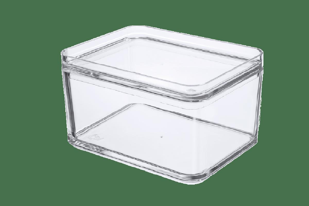 O pote multiuso com capacidade para 1L pode ser usado na cozinha para armazenar grande quantidade de alimentos ou também para organizar outros ambientes. Com o plástico transparente, o conteúdo fica visível e você não precisar abrir o pote para encontrar o que procura. Eles são encaixáveis e podem ser modulados com outros para aproveitar melhor os espaços. E mais: os Potes Mod têm um design clean que combinam com todas as decorações. Organize os armários e geladeira, facilite sua vida.