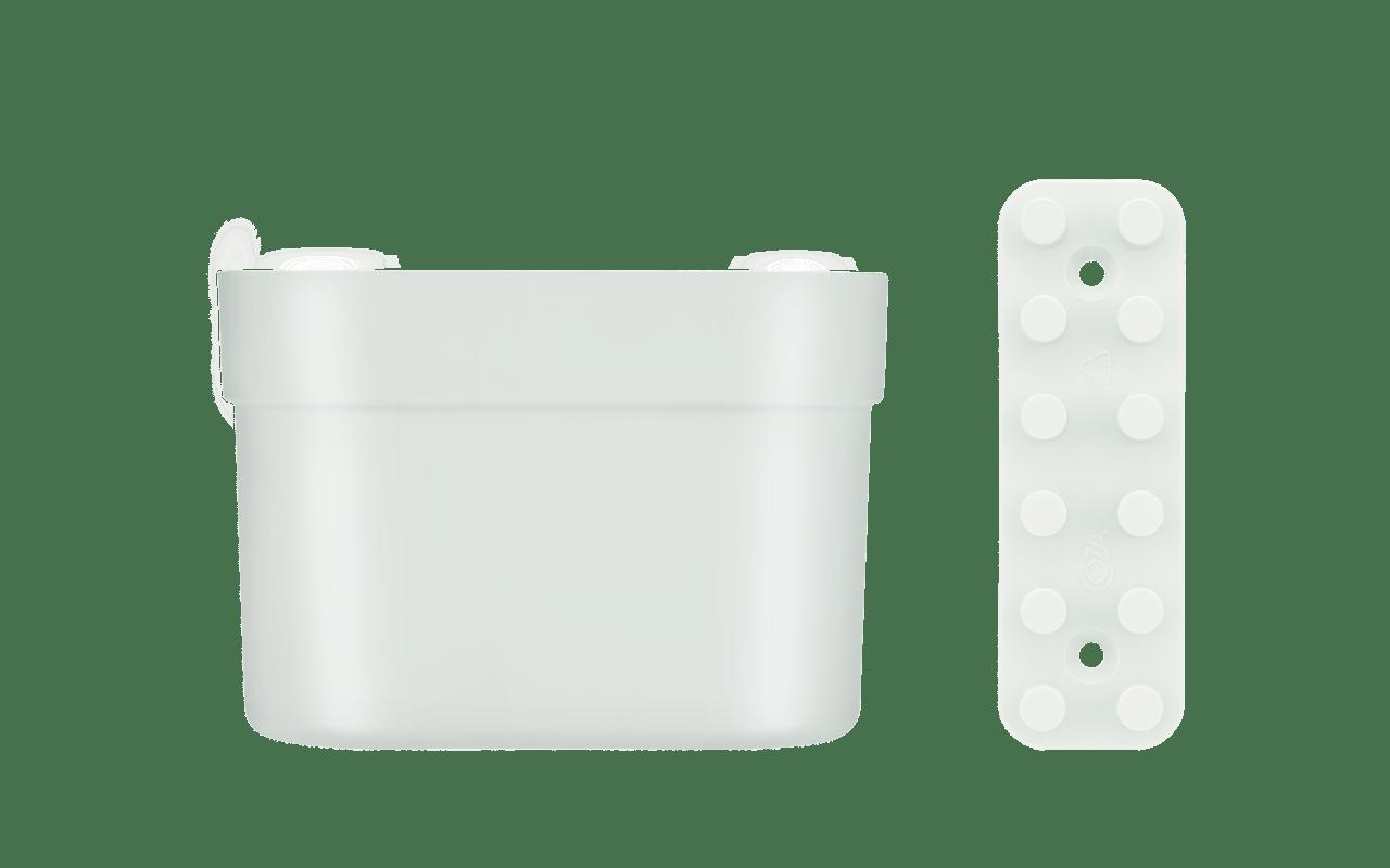 Com a mesma pegada dos demais itens da linha Loft Up, o Organizador Pequeno com Barra é composto por um Organizador de 12 x 9 x 5 cm + uma Barra de 12 x 4 2,5 cm, suportando 0,5 kg. Para sua fixação, o kit traz ainda duas buchas e dois parafusos. Ele é ideal para compor o mix com os outros produtos da linha, criando moods sofisticados e funcionais. Sua parede em branco agora dá espaço à painéis de jardins verticais e/ou porta objetos de muita criatividade e praticidade.