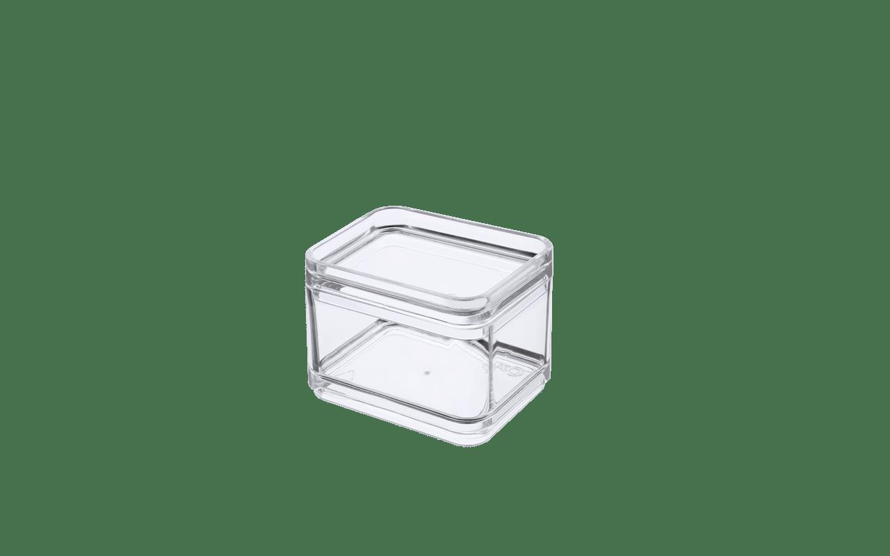 Sabe a sobra do almoço ou aquele pacotinho de biscoito que não dá para manter na embalagem? O Mini Pote é a solução para esses probleminhas. Com capacidade de 100 ml, é ideal para guardar porções pequenas de comida. Com o plástico transparente, o conteúdo fica visível e você não precisar abrir o pote para encontrar o que procura. Outra praticidade é a possibilidade de modular e empilhar diversos potes para otimizar espaço. E mais: o Mini Pote Mod tem um design clean que combina com todas as cozinhas. Organize os armários e a geladeira, e facilite sua vida.